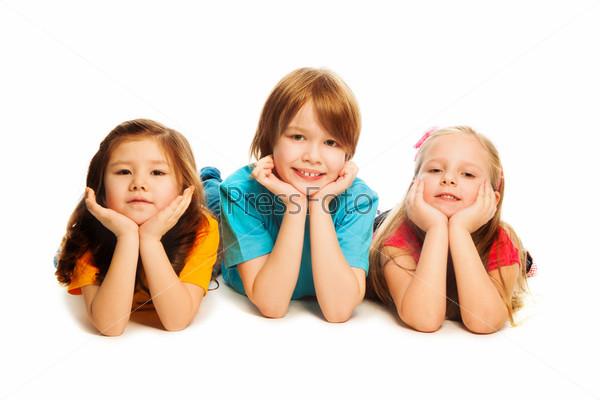 Фотография на тему Трое детей на полу