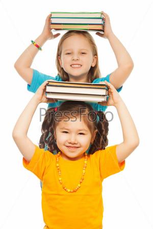 Фотография на тему Две девочки с книгами