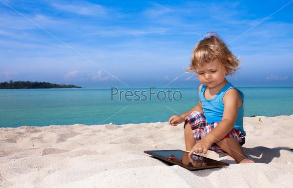 Веселые игры на тропическом пляже