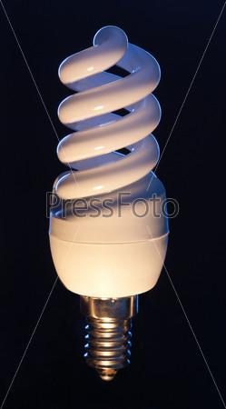 Фотография на тему Энергосберегающая лампочка
