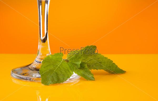 Листья мяты для коктейля