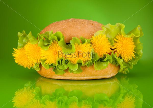 Весеннее меню  - бургер с одуванчиками