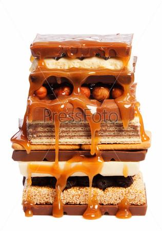 Сладости и орехи с карамелью
