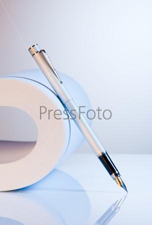 Фотография на тему Ручка и бумага