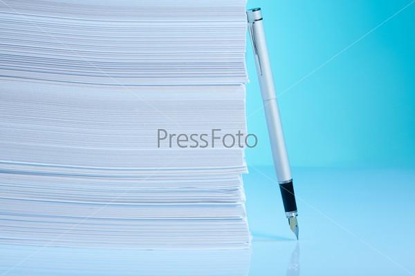 Фотография на тему Бумага и ручка