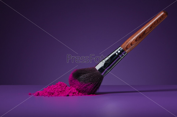 Кисть для макияжа и пудра