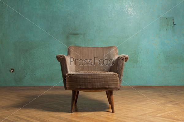Кресло в комнате