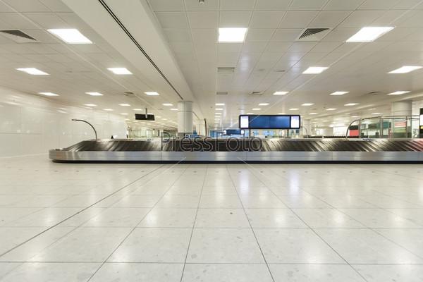 Место выдачи багажа в аэропорту