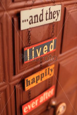 Счастливый знак на двери