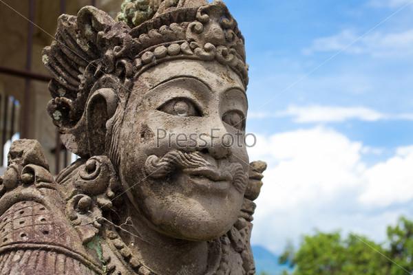 Балийская статуя