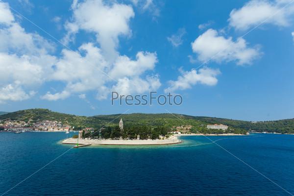 Католический монастырь на острове Вис, Хорватия