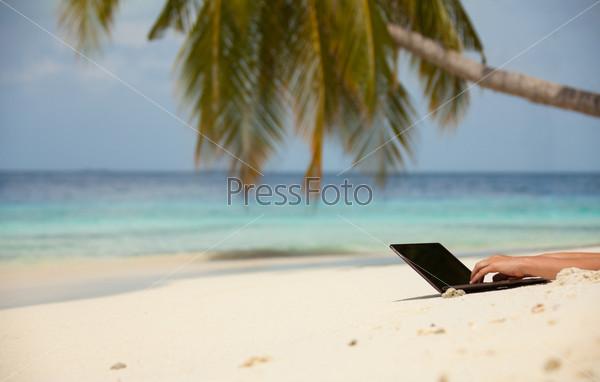 Фотография на тему Оставайтесь на связи на пляже