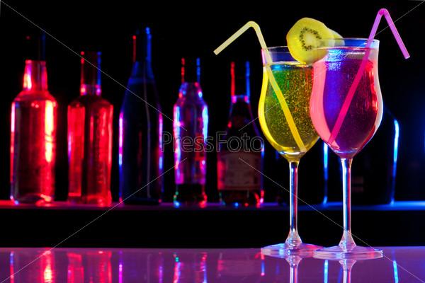 Фотография на тему Два прохладительных напитка