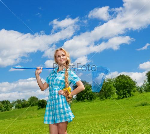 Фотография на тему Красивая девушка с сачком