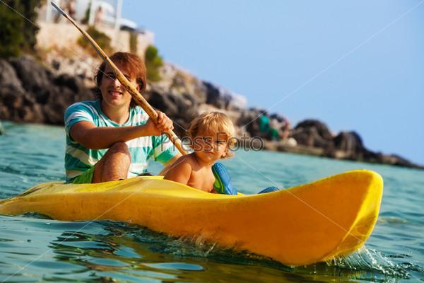 Фотография на тему Морской каякинг с детьми