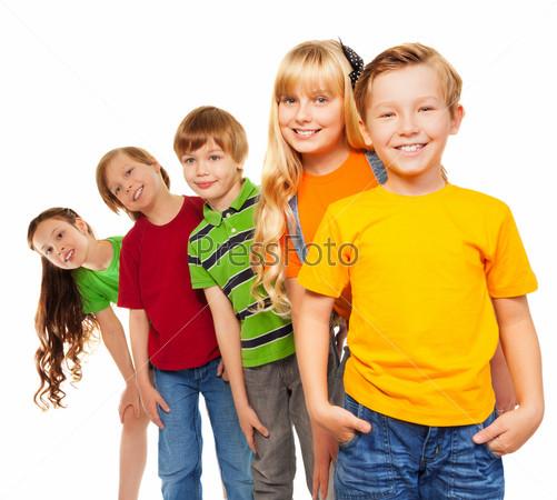 Три мальчика и две девочки