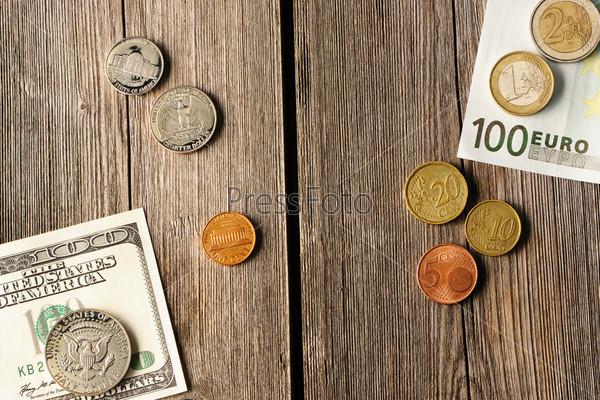 Деньги США и евро