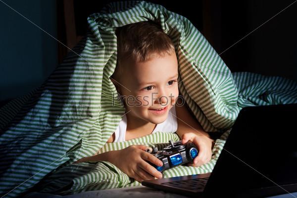 Компьютерные игры ночью
