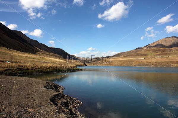 Горное озеро в Дагестане