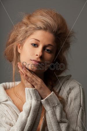 Спокойный красивый женский портрет