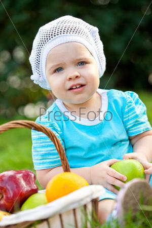 Фотография на тему Милый ребенок