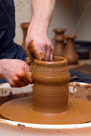 Фотография на тему Руки гончара за работой