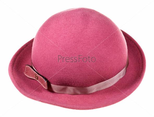 Малиновая шляпа с широкими полями