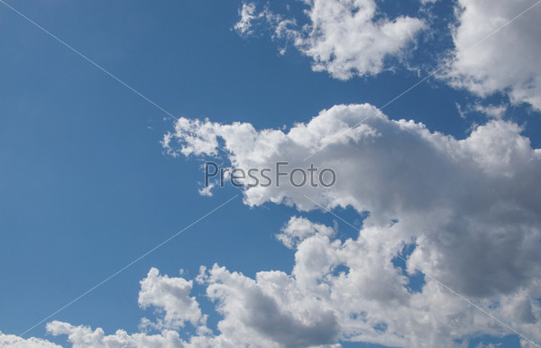 Фотография на тему Голубое небо с белыми облаками