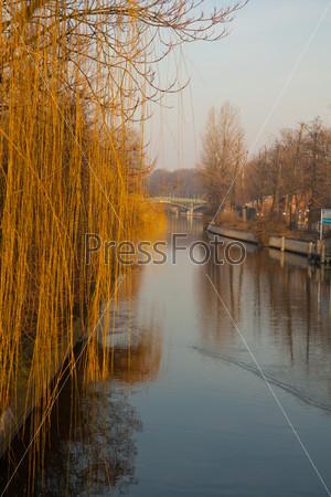 Фотография на тему Вид реки в Берлине