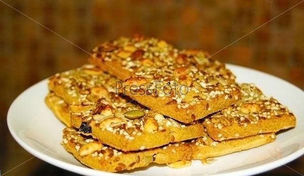 Печенье с семечками и орехами
