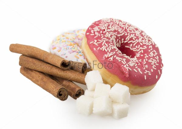 Пончик, сахар, корица