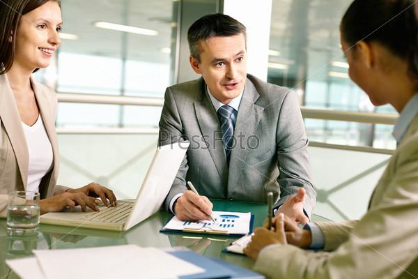 Фотография на тему Совещание партнеров