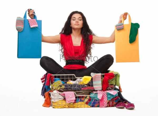 Девушка после шоппинга