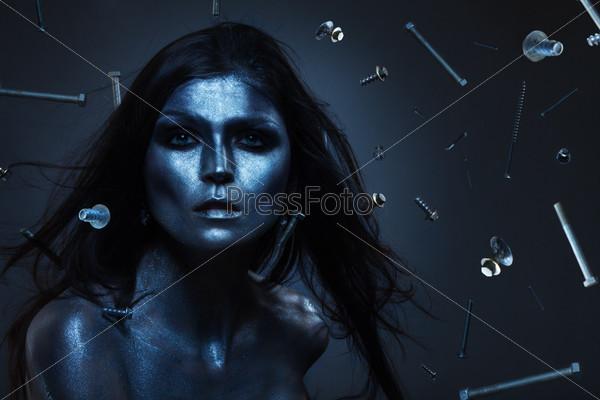 Металлическая женщина