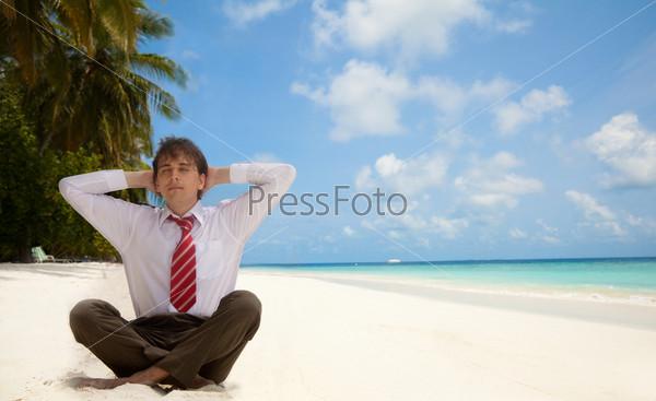 Бизнесмен н пляже