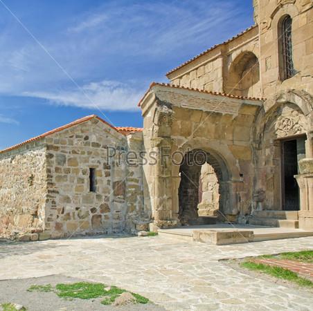 Фотография на тему Древний замок