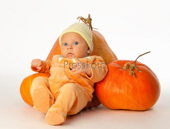 Малыш с тыквой
