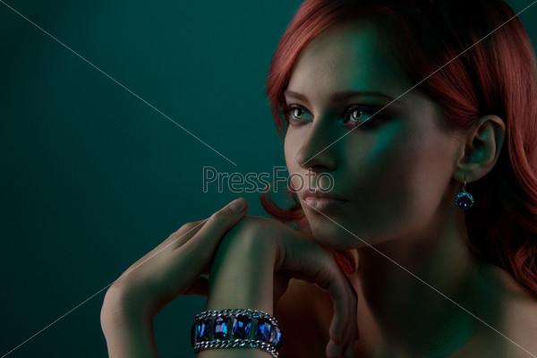 Портрет с браслетом