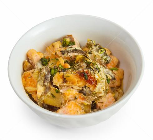 Фотография на тему Грибы и жареный картофель, изолированные на белом фоне