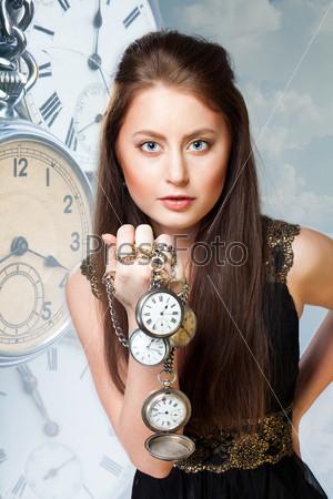 Фотография на тему Женщина с часами