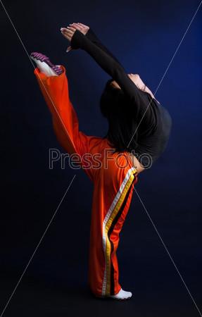 Танцор в движении