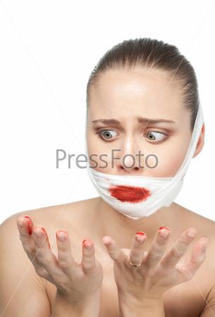 Напуганная женщина