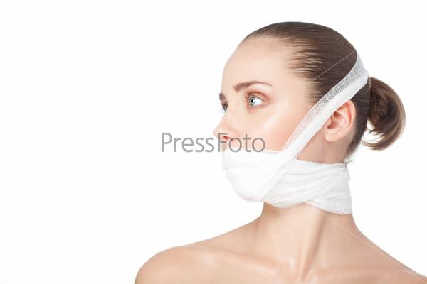 Женщина после пластической хирургии