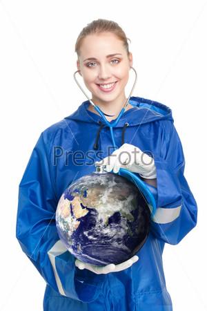 Фотография на тему Доктор обследует Землю