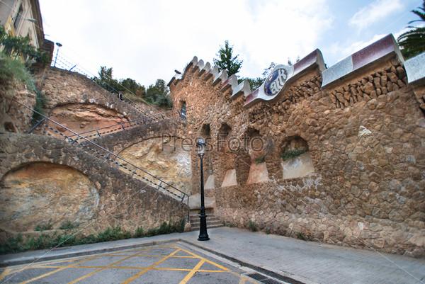 Фотография на тему Стены парка Гуэль