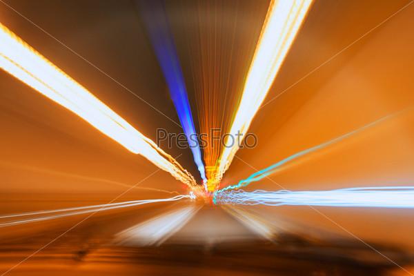 Фотография на тему Затуманенные огни в туннеле
