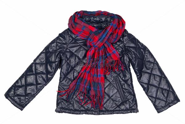 Стильная куртка и клетчатый шарф