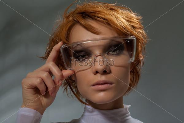 Портрет красивой умной женщины