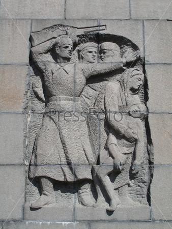 Фотография на тему Рельеф на стене Пискаревского мемориала