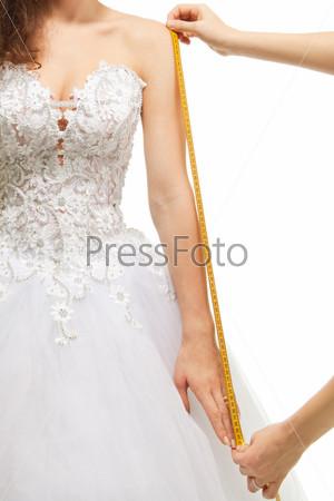 Снятие мерок с фигуры невесты